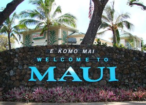 What clothes to pack for a trip to maui in summers and winters